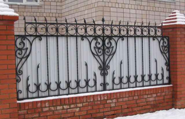 Кованый забор Владивосток