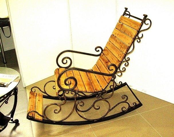 Кованые кресла качалки