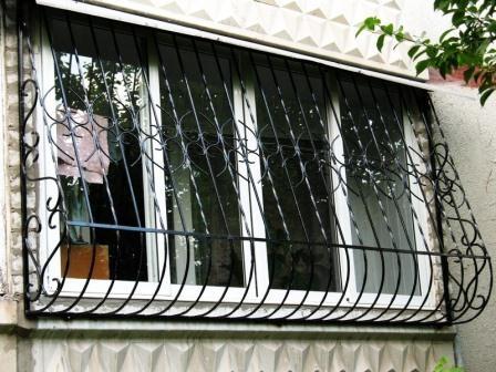 Кованые решетки на балкон Владивосток