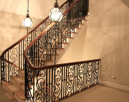 Кованые лестницы и перила Владивосток