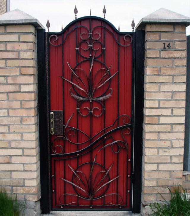 кованые накладки на дверь