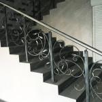 Черная кованая лестница на улице Алеутская г. Владивосток